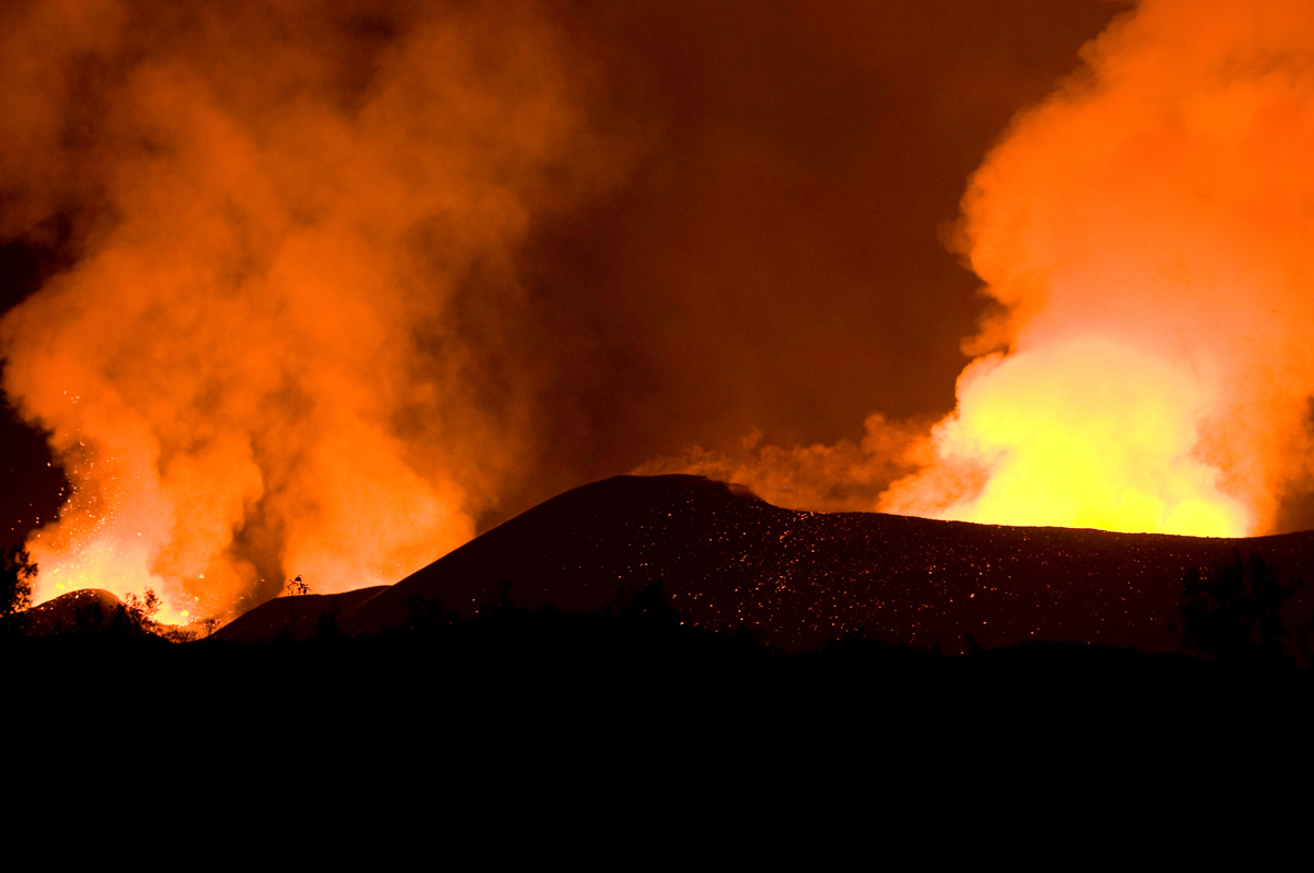 mt nyiragongo essay (1995-96), mt etna (1991-93), nyiragongo  in this site you will find many informative facts of mt mt studying the eruptions of mount vesuvius mt vesuvius essay.
