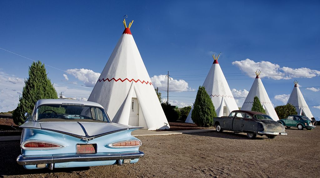 15 only in america sights you 39 ll see on a route 66 road trip. Black Bedroom Furniture Sets. Home Design Ideas